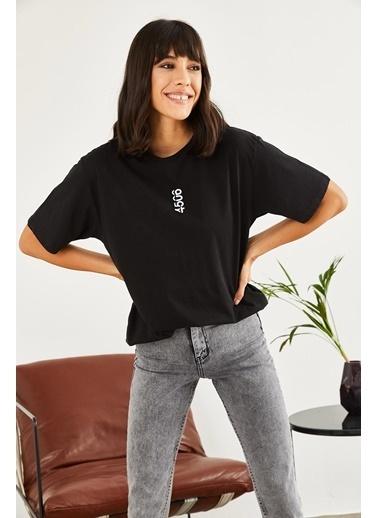 Sortee Kadın Nakışlı Oversize T-Shirt Siyah